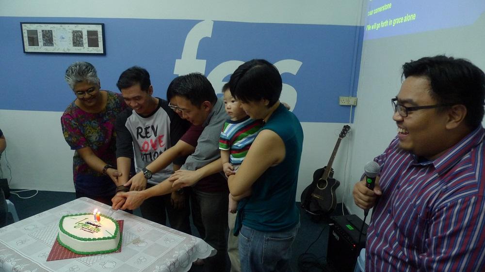 cutting cake.1